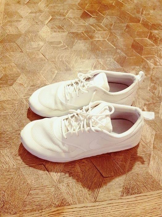 Nike thea weiß 40.5  - fällt aus wie 39-39.5
