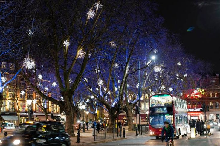 <strong>LIGHTS FANTASTIC</strong> | Sloane Square is one of many London quarters that shine this season.