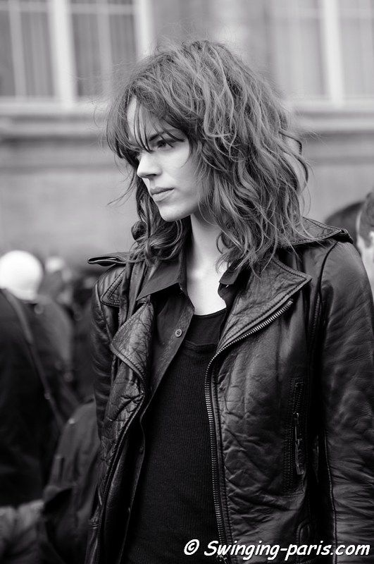 Freja Beha Erichsen  this cut looks best on wavy hair, fine to medium texture, and the heavy curly bangs are key.