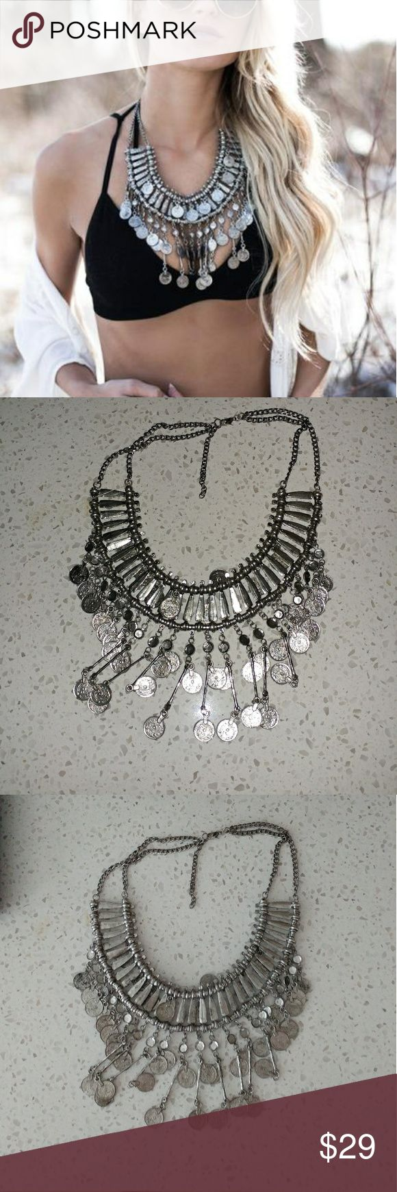 Xenia Statement Necklace Purchased from Vici Collections website. New and never worn. Beautiful summer piece staple. Perfect for upcoming festivals. Jewelry