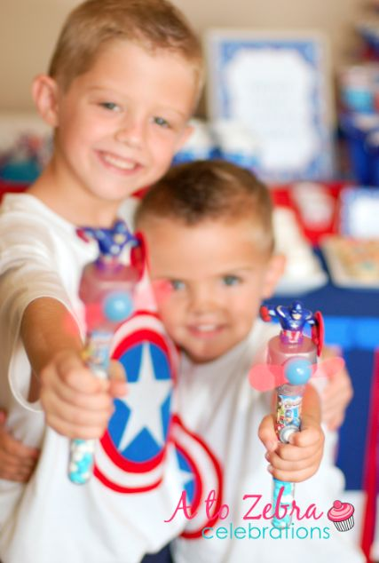 Is your boy born on 4th of July or maybe he is a super hero fan? Then, this Captain America birthday party is for you!