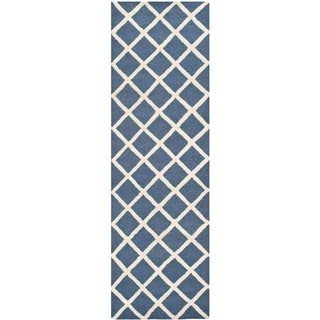 Safavieh Handmade Moroccan Cambridge Navy/ Ivory Geometric Wool Rug – 2'6″ x 6′ (Navy/Ivory – 2'6″ x 6′), Blue