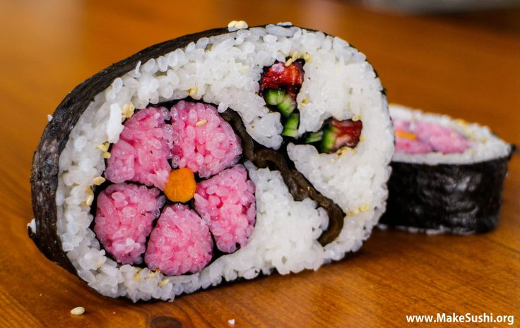 Amazing flower sushi roll - japanese Food. view video recipe here: https://www.youtube.com/user/MakeSushi1/videos
