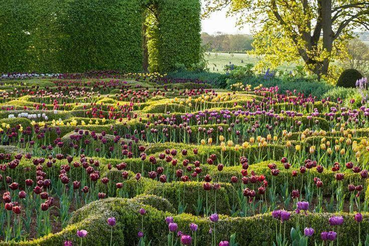 Broughton Grange, Banbury - Designed by Tom Stuart-Smith ... LAN United Kingdom
