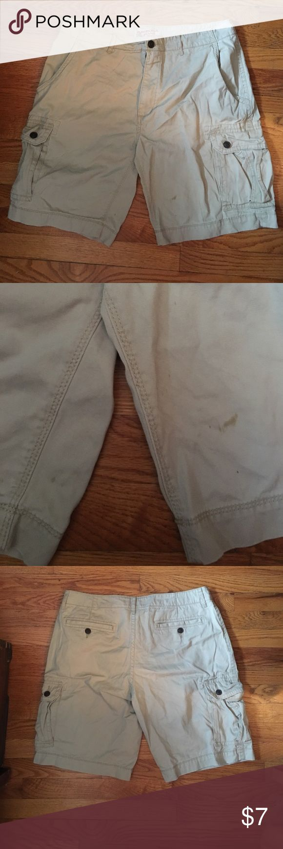 Men's Khaki Shorts Cargo style shorts, with zipper and button closure; small stain on front of shorts - would likely come out with stain remover. Worn multiple times, but still on good condition (minus small stain). Arizona Jean Company Shorts Cargo