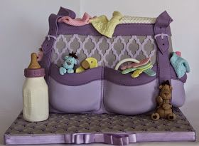 .: Diaper Bag Cake with Giraffes