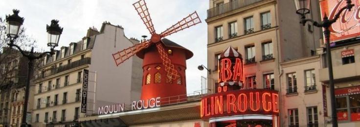 Il quartiere a luci rosse ai piedi di Montmartre...#Parigi #Paris