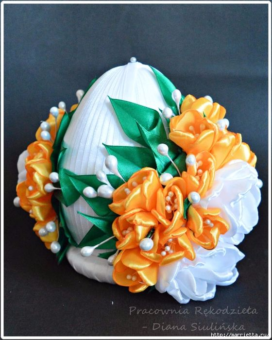 Шелковые пасхальные яйца с цветочками канзаши (21) (560x700, 328Kb)