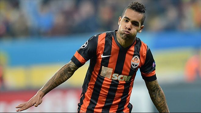 Alex Teixeira hints his move to Liverpool is on via Instagram