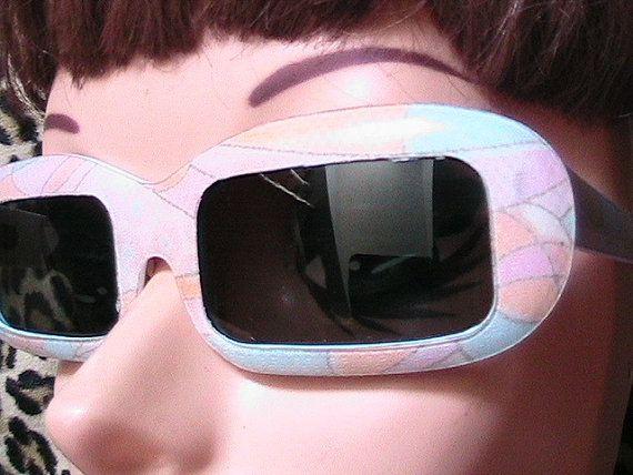 Groovy 1960er Jahre Frau Sonnenbrillen  von ladouchka auf Etsy