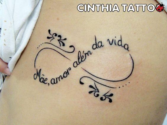 10 tatuagens delicadas para homenagear mães, pais e filhos - A Mãe Coruja