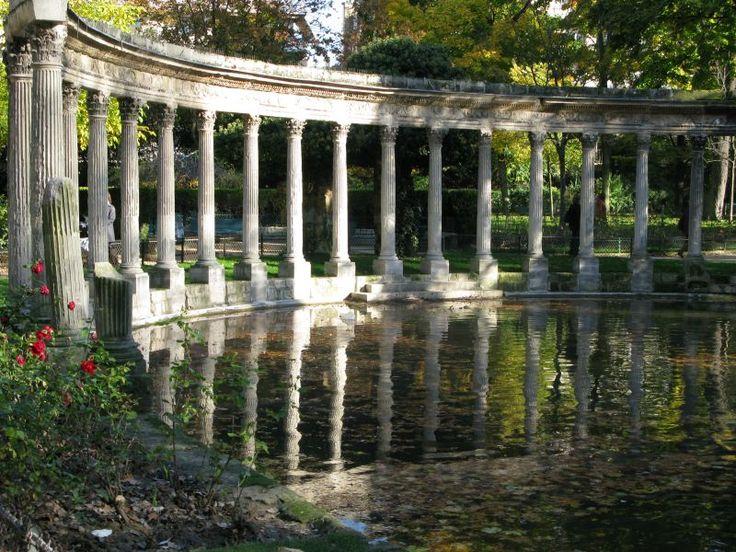 Le parc Monceau, un endroit paisible dans le 8ème arrondissement de Paris