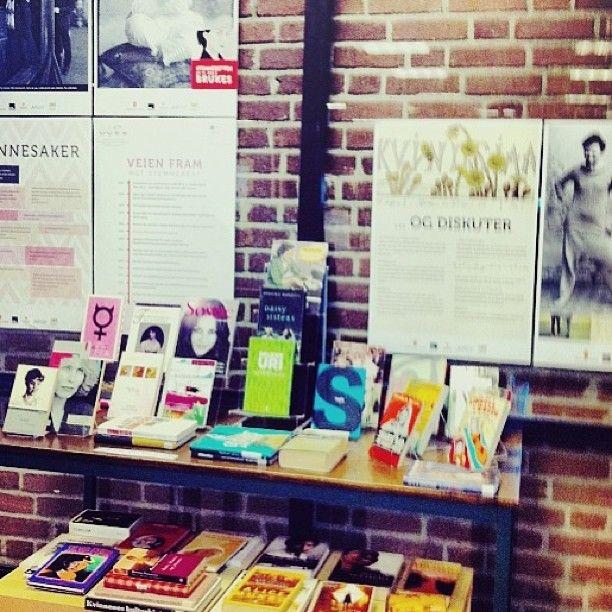 "@sandefjordbibliotek's photo: ""#utstilling #kvinnedagen #mittbibliotek #sandefjordbibliotek"""