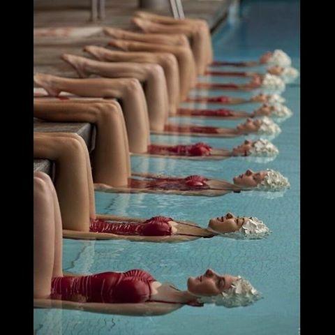 A synchronized swimming team, 1950's #artwork #art #photograph #photo #sanat #sanatçı #kadın #kadınlar #woman #team #syncronized #red #kırmızı #pool #waterislife #aqua #symphony #swim #harmony #balance #beautiful #hope #umut #delicate #dreamer #talented #wise
