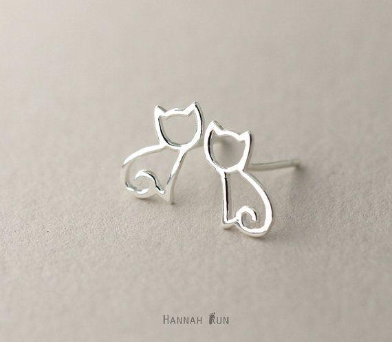 Cat stud Earrings sterling silver Cat Earrings por HannahRun