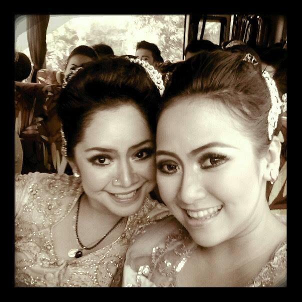 Intan Krisna. Penari Tradisi. Sunda. Bandung. https://www.facebook.com/intan.nila.krisna/photos_all