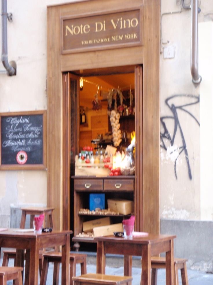 The tiniest hole in the wall cafe, Fierenze