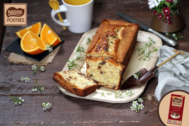 Plum cake de leche condensada y naranja con chocolate con leche