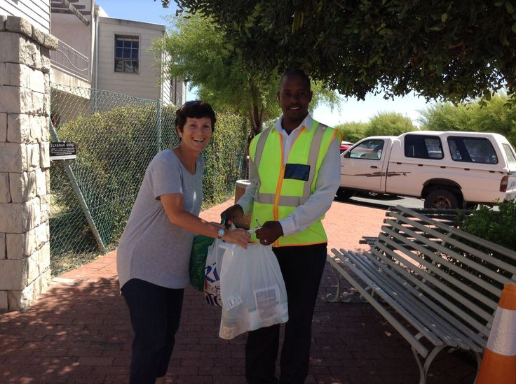 Members from our Encore Senior Citizens donated a pack, made up of much needed food and other grocery items to our security guard, Christoph at the High School campus, to show appreciation for the friendly way he always greets members at the high school gate. Handing the hamper over to Christoph is Julie Londt, Elkanah House mom and volunteer for the Encore Club Committee.