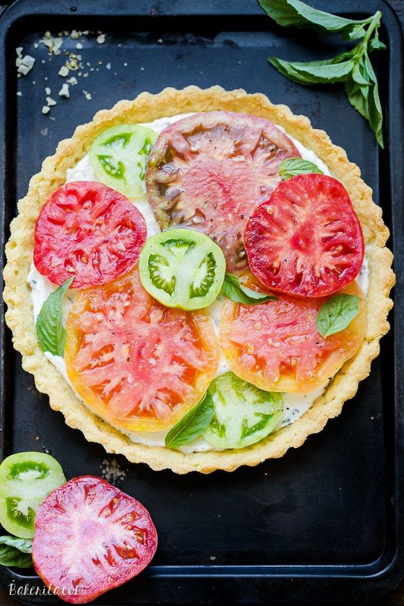 official photos f4f09 08475 This Ricotta Heirloom Tomato Tart has a gluten-free cornmeal crust and basil  ricotta filling, topped with beautiful heirloom tomatoes! This simple tart  ...