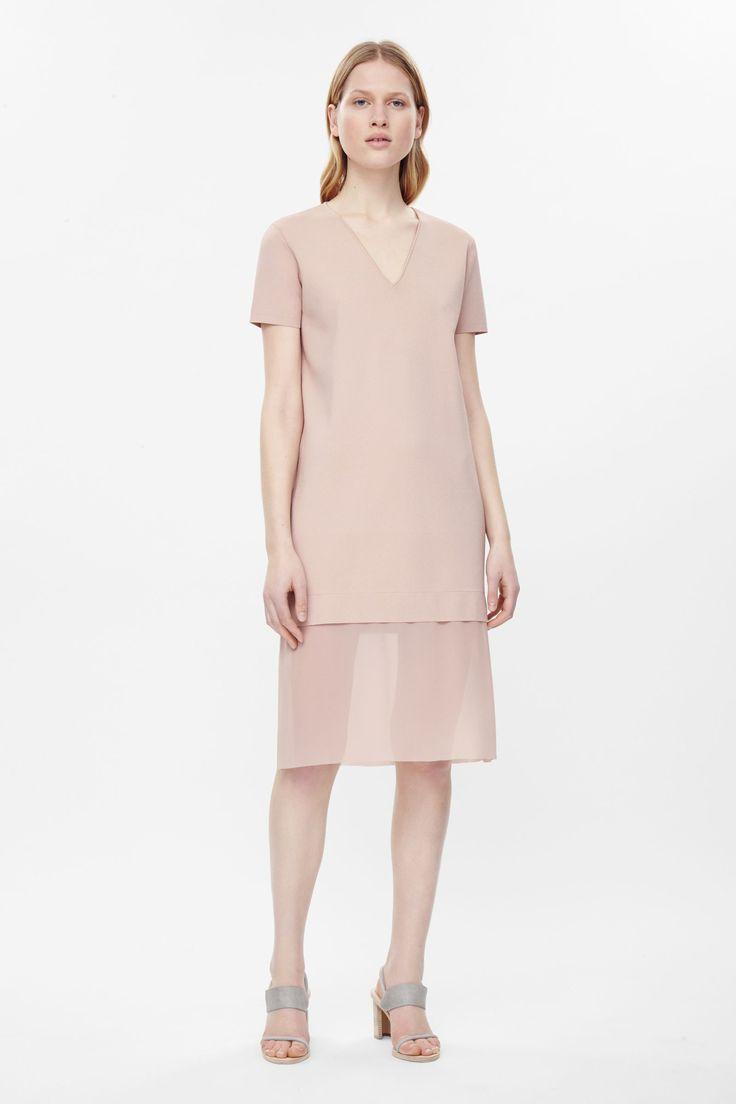 V-neck dress with chiffon bottom
