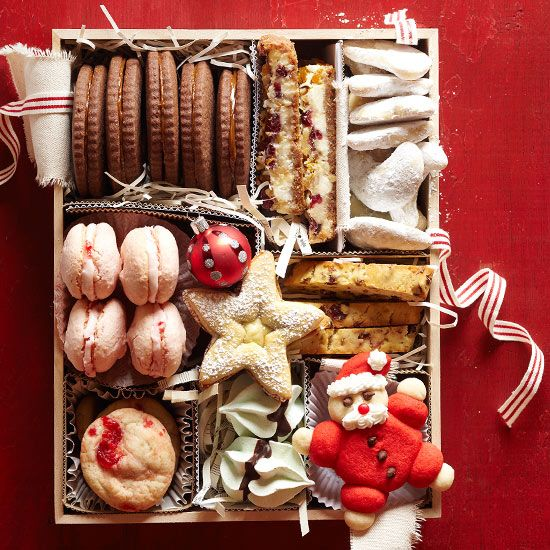 I wouldn't turn this yummy gift down!  Talkin' to all you bakers I know out there!! :)  Christmas Cookie Gift Box