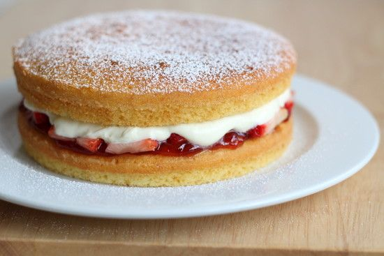 The Little Teochew: Singapore Home Cooking: Victoria Sponge Cake