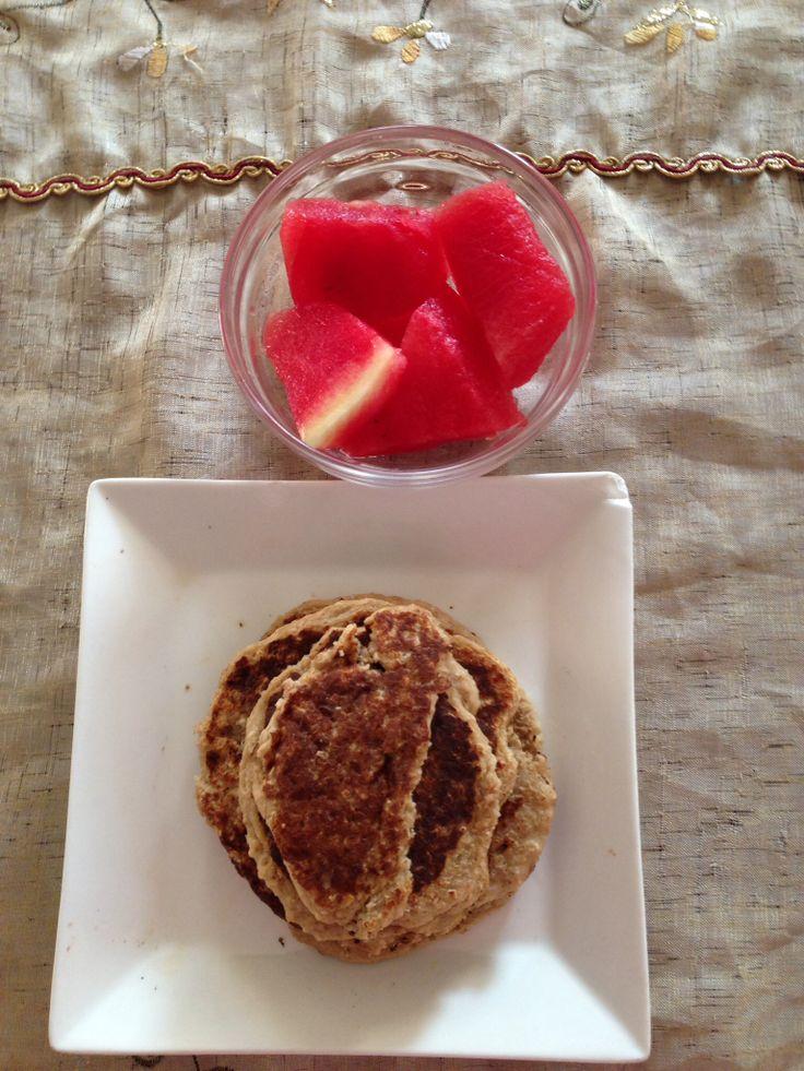 Pancakes de avena,banano y proteína un desayuno #saludable para iniciar el día. Para más recetas síguenos en Facebook en clínica koryo #fitness #salud #nutrición