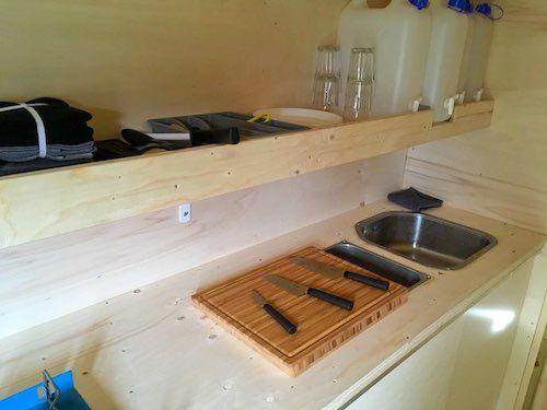 Küche | Floß zum Karpfenangeln