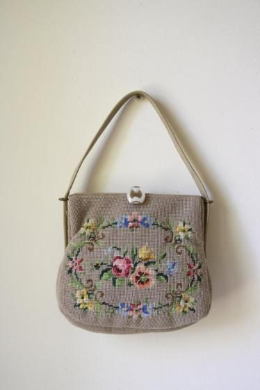 Round She Goes - Market Place - 1950s vintage floral tapestry bag