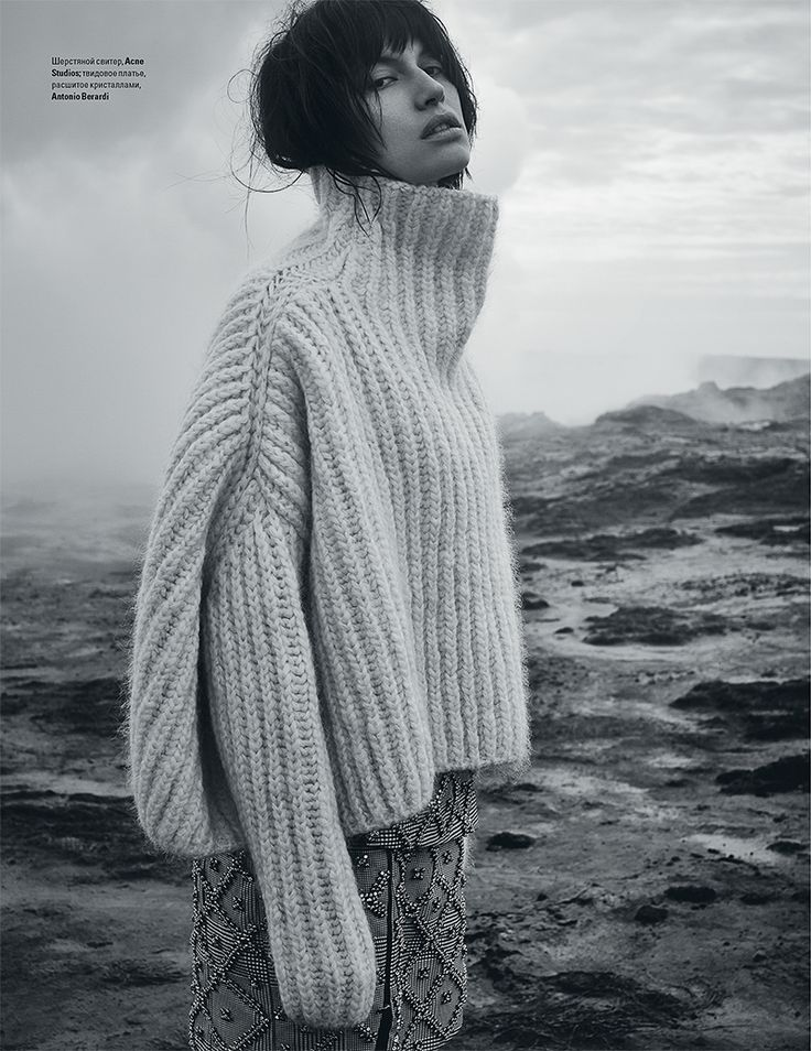 """Over-size turtleneck sweater"" Sabrina Ioffreda for Vogue Ukraine January 2016 by Agata Pospieszynska."