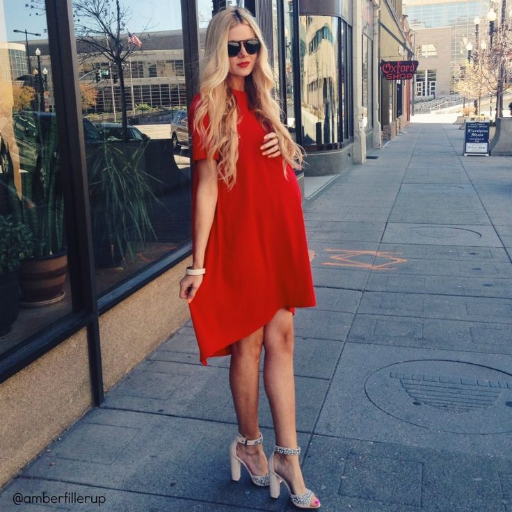 Love the vibrant red of this dress. Also those Alice Olivia shoes...swoon. She just gets me