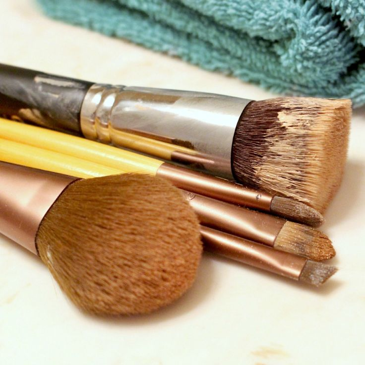 how to clean beauty brushes