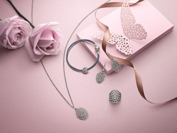 Anyák napi ajándék tippek / JOY.hu #anyaknapja #mothersday #gift #tips #accessories #necklace #fashion