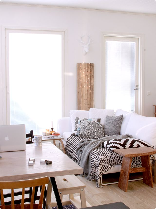 Black and white texture saves this room from boring