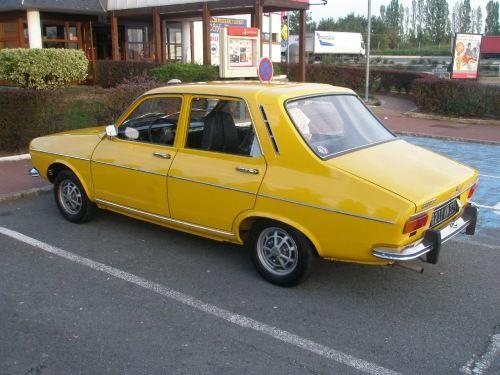 Renault 12 : la voiture de mon enfance, meme couleur!