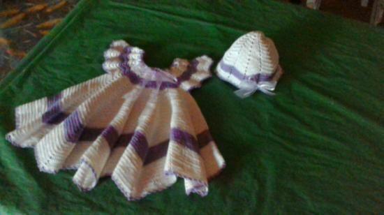 vestitino con cappellino uncinetto completo vestito con cappello cotone,nastro raso e organza uncinetto