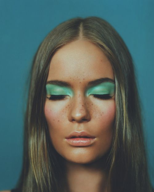 Jason Hetherington -- retro green eyeshadow & center-parted hair #beauty #makeup