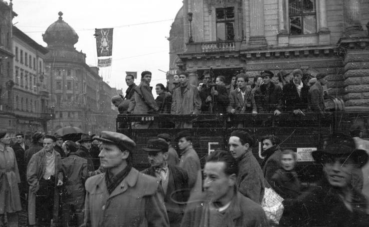 Hungarian Revolution 1956 Háttérben a volt Nemzeti Színház