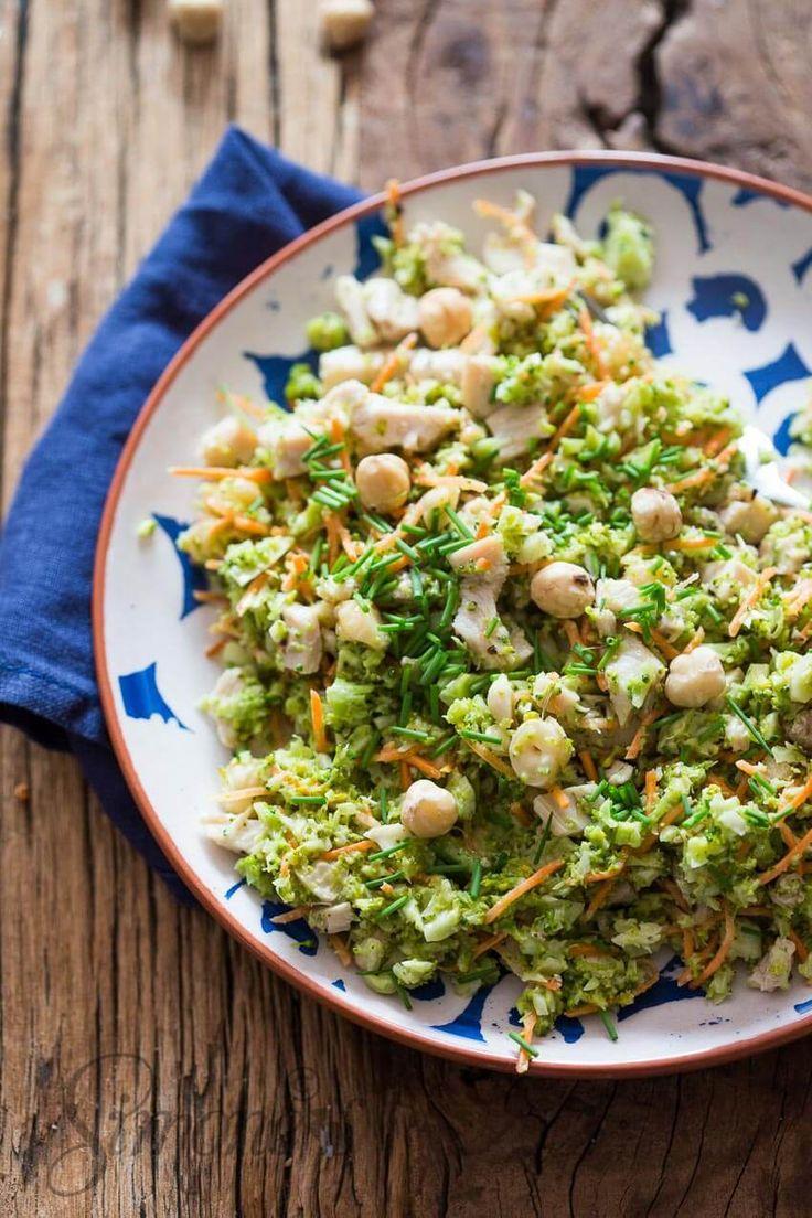 Whole30 broccolisalade met hazelnootjes en kalkoen http://simoneskitchen.nl/whole30-broccolisalade-met-hazelnootjes-en-kalkoen/