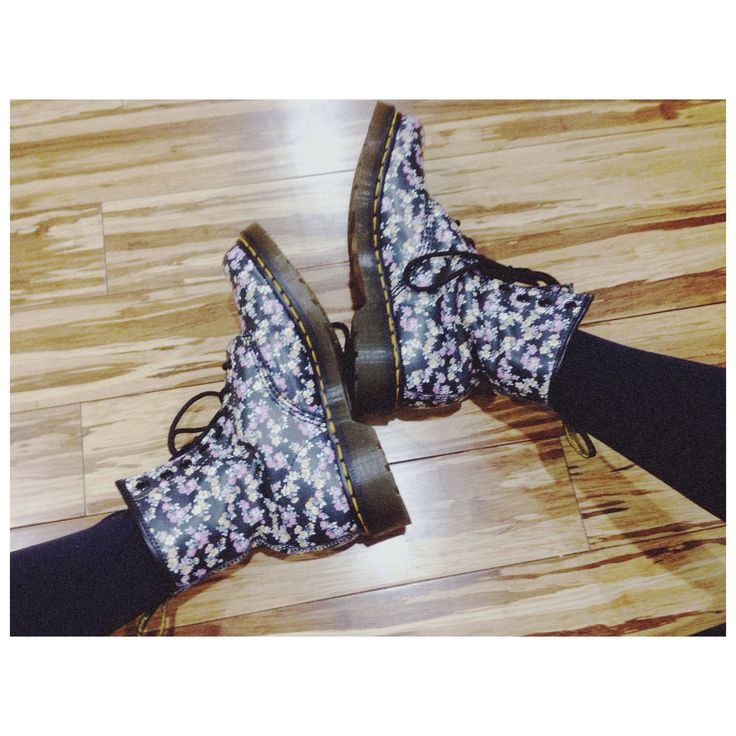 floral doc martens my outfits pinterest. Black Bedroom Furniture Sets. Home Design Ideas