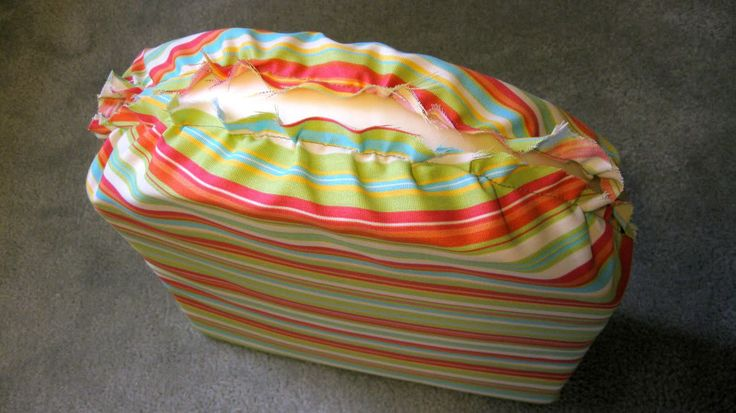 How to sew patio cushion covers. I have been so looking for this..... thank you :)