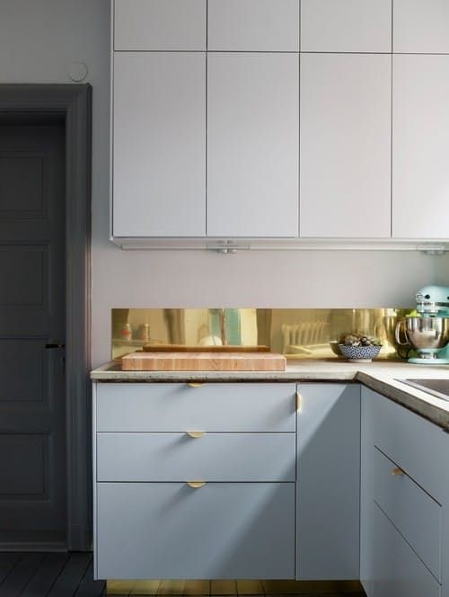 When is a backsplash not just a backsplash? With a little attention to detail, these eleven kitchens take the backsplash from a run-of-the-mill design feature to the focal point of the whole room.