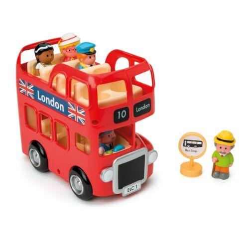 Ce bus londonien Happyland sillonne la ville de long en large. Il propose aux touristes une visite guidée avec de belles découvertes. L'enfant s'imagine au volant de ce bus rouge, il peut aussi en être le contrôleur ou un des passagers. Il enrichit son imagination de nouvelles aventures et son vocabulaire de nouveaux mots.