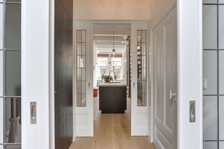 Love this #ensuite doors. #beautiful #design. #realestate #realestatephotography