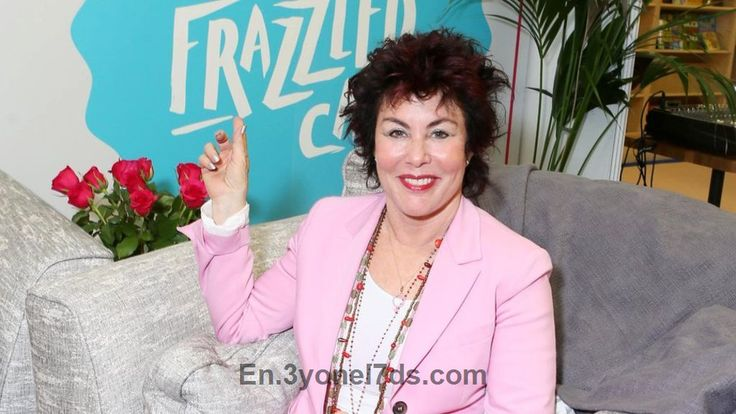 Marks and Spencer offers cafe space for 'frazzled' people  The retailer offers 11 of its cafes to host mental health sessions in an initiative with comedian Ruby Wax....  https://en.3yonel7ds.com/business/20894/Marks-and-Spencer-offers-cafe-space-for-frazzled-people.html