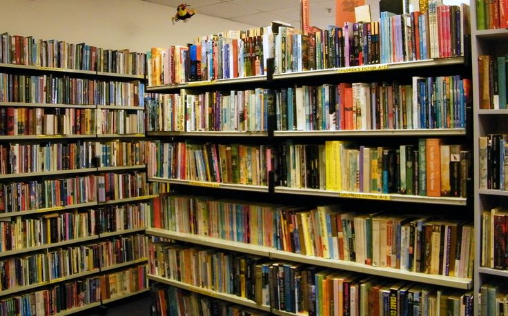 ARTY BEES BOOKS. A family-run, independent bookstore nestled in the heart of Wellington, Arty Bees houses over 130,000 pre-loved and new books ranging from the obvious to the outright bizarre..