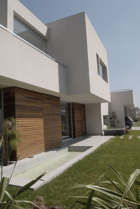 DCH House  http://vanguardaarchitects.com/what-we-do.php?sec=house&project=44