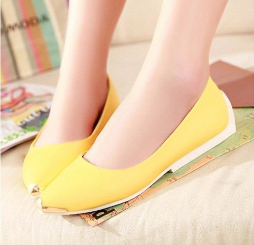 Metal Pointed Toe Design Flat Shoes