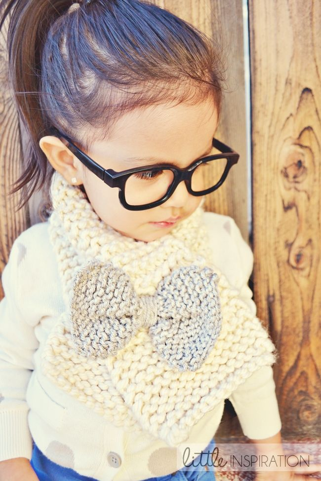 How To Knit A Bow Scarf » Little Inspiration - The pattern is for a child's size scarf but it could easily be made for an adult. So cute!
